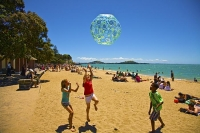 Auckland_East;St_Helliers;Auckland;Tamaki_Strait;crowds;sunbathers;Yachting;kaya