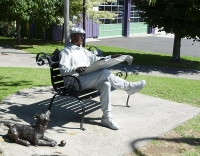 Katikati;Statue;man_and_dog_statue
