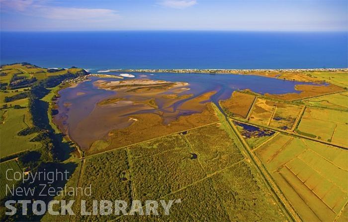 Maketu;Bay of plenty;blue seablue skysandy beaches;sea;sea fishing;harbours;bachs;holiday homes;sand dunes
