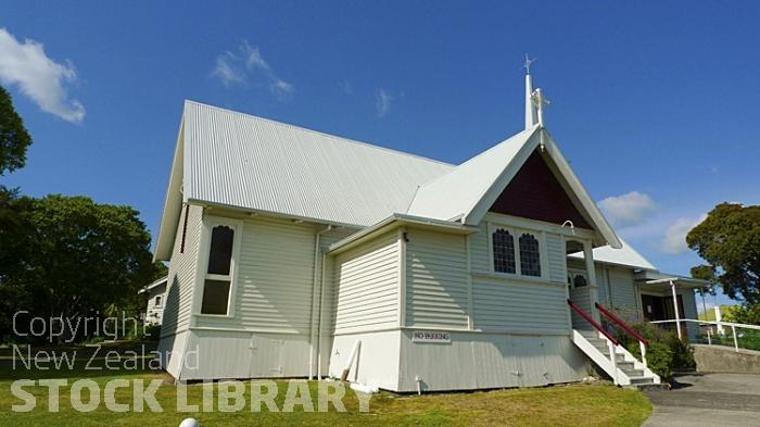 Te Puke;Bay of plenty;kiwi fruit orchards;kiwi fruit;kiwi fruit growing;agriculture;agricultural centre;arable farming;St John the Baptist Church;Church