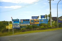 Ninety_Mile_Beach;Northland;cumulus_cloud;Ahipara_sign_boards;Ahipara