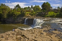 Haruru_Falls;Northland;Waitangi_River;waterfall;tourists;kayak;Children