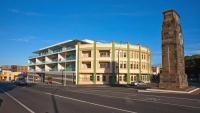 New_Plymouth;Taranaki;Down_Town;Cenotaph;Appartment_Block