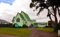 Opunake;Taranaki;churches;school;cafes;murals;sculptures;post_office;shops;Angli