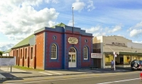 Dannevirke;Tararua;cafes;sculptures;post_office;shops;clock_tower;church;neo_cla