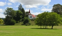Otane;Tararua;church;green_fields;paddocks;Te_Aute_College_Church;Te_Aute;Colleg