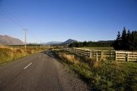 Rd_to_Lake_Coleridge_Village;Lake_Coleridge;North_Canterbury;mountains