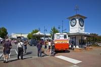 Blenheim;Marleborough;wine;vineyards;regional_town;street_market;clock_tower