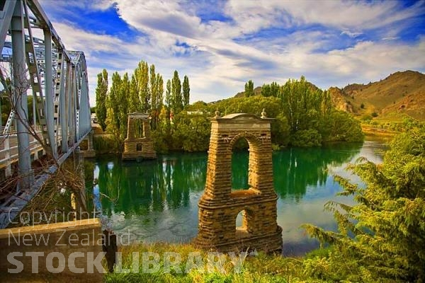Clyde New Zealand  city pictures gallery : Alexandra;Otago;Clutha River;Old Clutha River Bridge;Old;Clutha;River ...