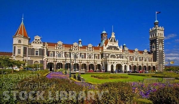 Dunedin;Otago;university city;university;harbour;golden sands;gothic buildings;Heritage Museum;law courts;Station;Train Station;Railway Station