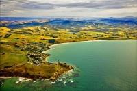 Moeraki;Otago;Yellow_Eyed_Penguins;Moeraki_Boulders;tourists;Moeraki_Point;Beach