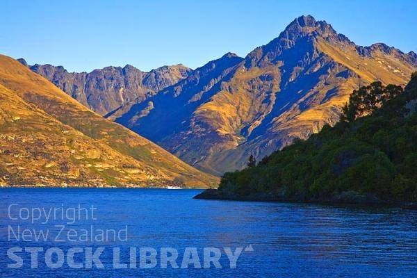 Queenstown;Lake Wakatipu;Otago;autumn colour;fall colors;SS Earnslaw