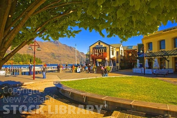 Queenstown;Lake Wakatipu;Otago;autumn colour;fall colors;akeside;restaurants