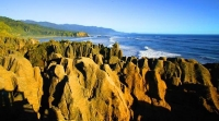 Punakaiki_Coast;West_Coast;Highway_6;mountains;valleys;Pororari_river;Tasman_Sea